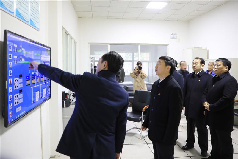 1-22乔新江等市领导看望慰问坚守一线的供水职工